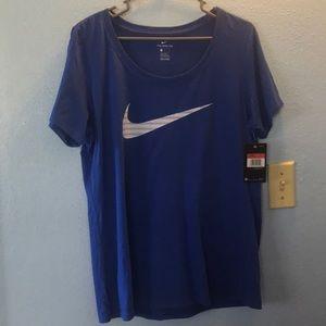 Nike womens swoosh t shirt size l